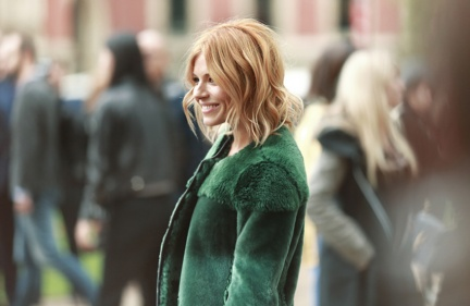 sienna-miller-at-the-burberry-womenswear-s_s16-show