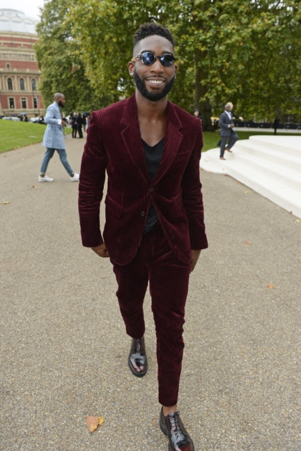 tinie-tempah-wearing-burberry-to-the-burberry-womenswear-s_s16-show
