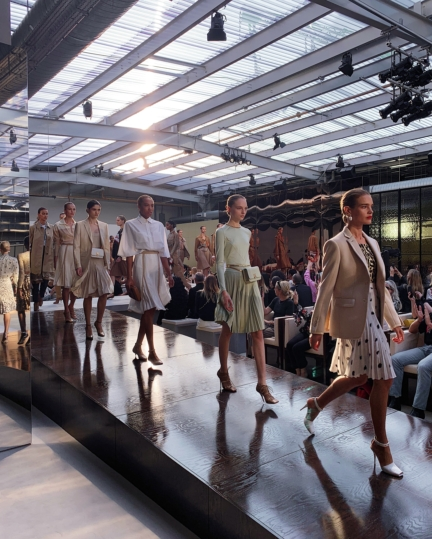 burberry-spring_summer-2019-show-finale_001