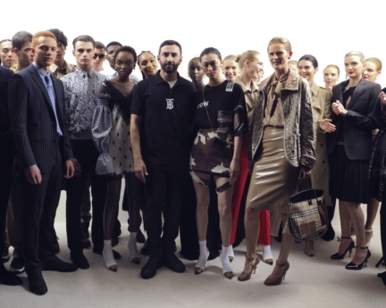 riccardo-tisci-backstage-at-the-burberry-spring_summer-2019-show