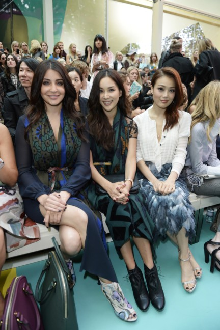 anushka-sharma-ko-so-young-joey-yung-at-the-burberry-prorsum-spring_summer-2015-show