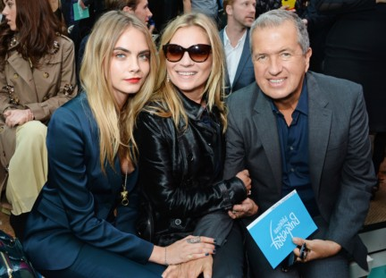 cara-delevingne-kate-moss-and-mario-testino-on-the-front-row-of-the-burberry-prorsum-spring_summer-2015-sho_002