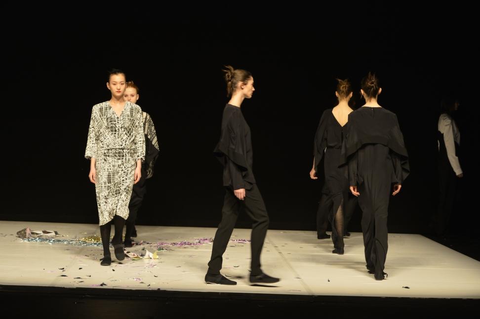 chalayan-london-fashion-week-autumn-winter-17-2