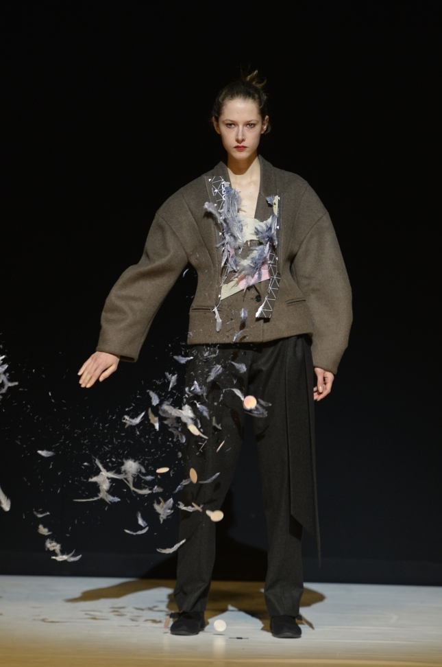 chalayan-london-fashion-week-autumn-winter-17-41