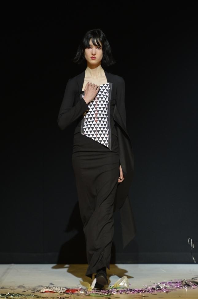 chalayan-london-fashion-week-autumn-winter-17-52