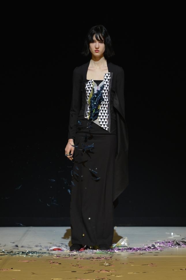 chalayan-london-fashion-week-autumn-winter-17-53