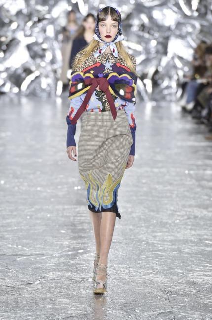 mary-kantrantzou-london-fashion-week-aw-16-runway-2
