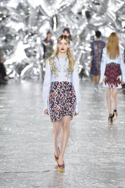 mary-kantrantzou-london-fashion-week-aw-16-runway-23