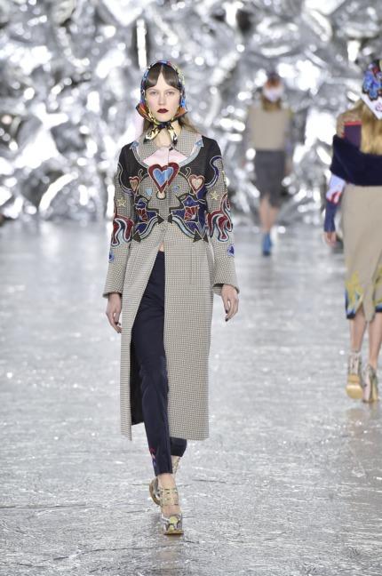 mary-kantrantzou-london-fashion-week-aw-16-runway-4