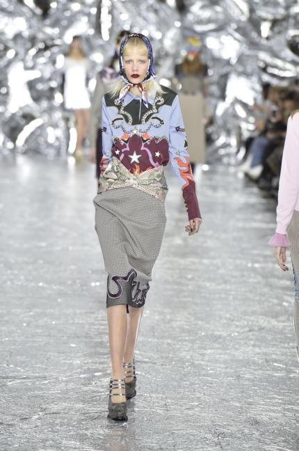 mary-kantrantzou-london-fashion-week-aw-16-runway-6