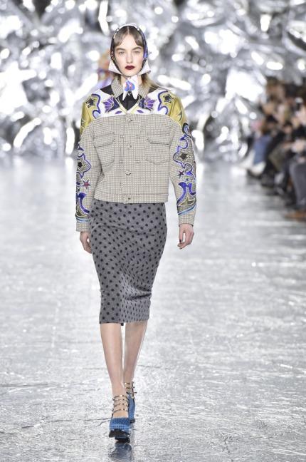 mary-kantrantzou-london-fashion-week-aw-16-runway