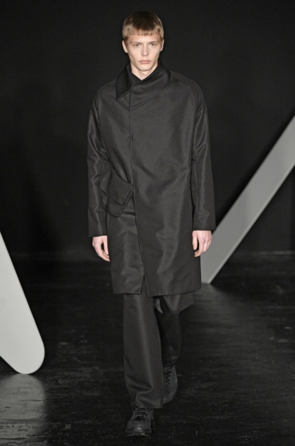 kiko-kostadinov-lodon-fashion-week-men-aw-17-14