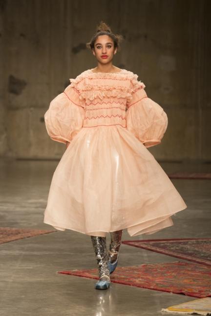 molly-goddard-london-fashion-week-autumn-winter-17-1