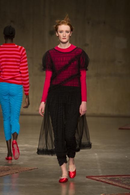 molly-goddard-london-fashion-week-autumn-winter-17-12
