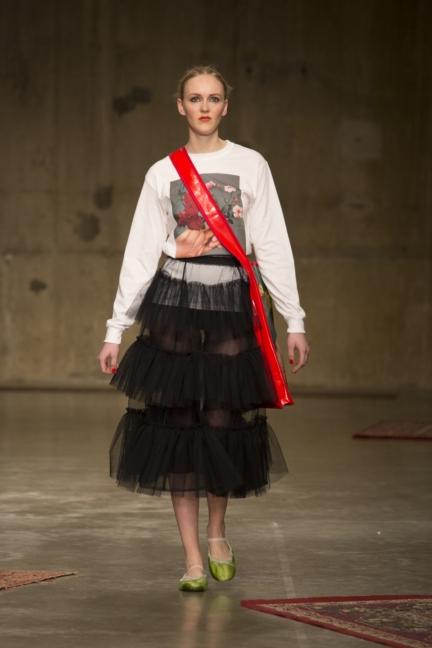 molly-goddard-london-fashion-week-autumn-winter-17-14