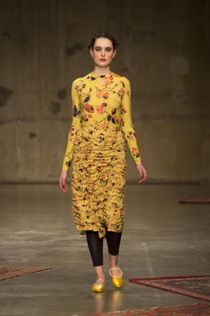 molly-goddard-london-fashion-week-autumn-winter-17-15