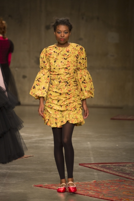 molly-goddard-london-fashion-week-autumn-winter-17-16