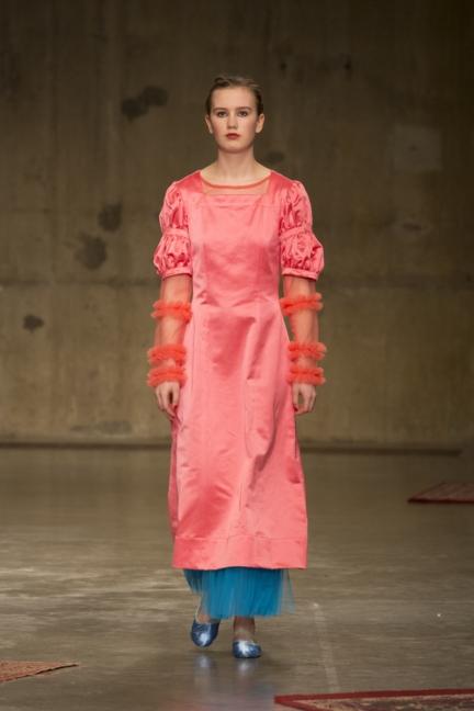 molly-goddard-london-fashion-week-autumn-winter-17-19