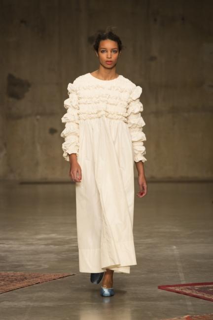 molly-goddard-london-fashion-week-autumn-winter-17-2