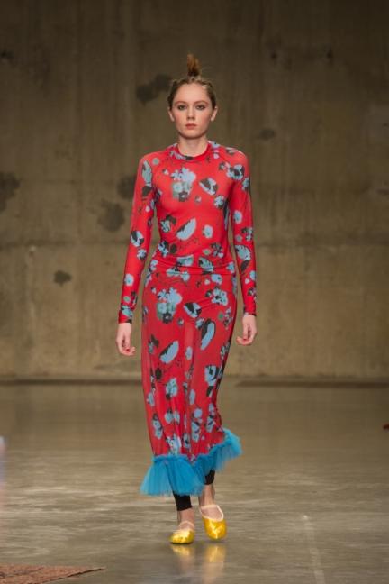 molly-goddard-london-fashion-week-autumn-winter-17-21