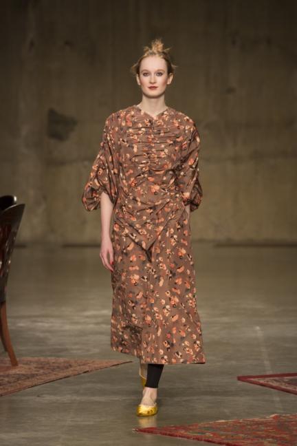 molly-goddard-london-fashion-week-autumn-winter-17-25