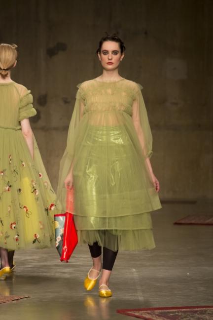 molly-goddard-london-fashion-week-autumn-winter-17-26