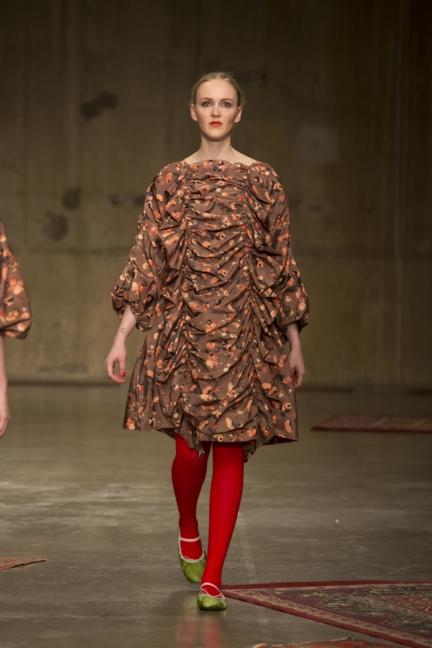 molly-goddard-london-fashion-week-autumn-winter-17-28