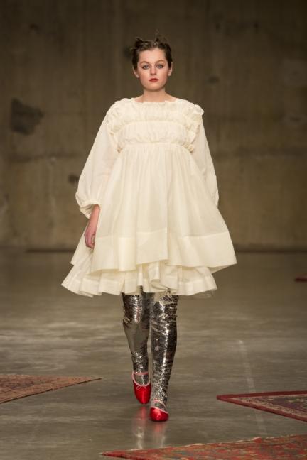 molly-goddard-london-fashion-week-autumn-winter-17-3