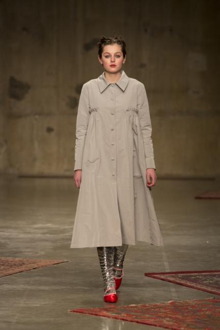 molly-goddard-london-fashion-week-autumn-winter-17-30