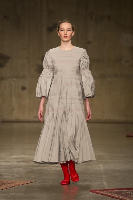 molly-goddard-london-fashion-week-autumn-winter-17-6