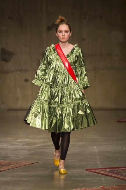 molly-goddard-london-fashion-week-autumn-winter-17-8