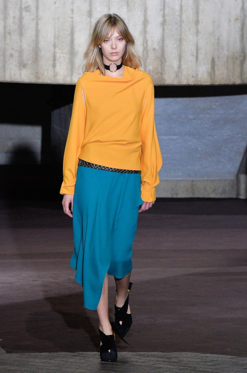 roland-mouret-london-fashion-week-autumn-winter-17-10
