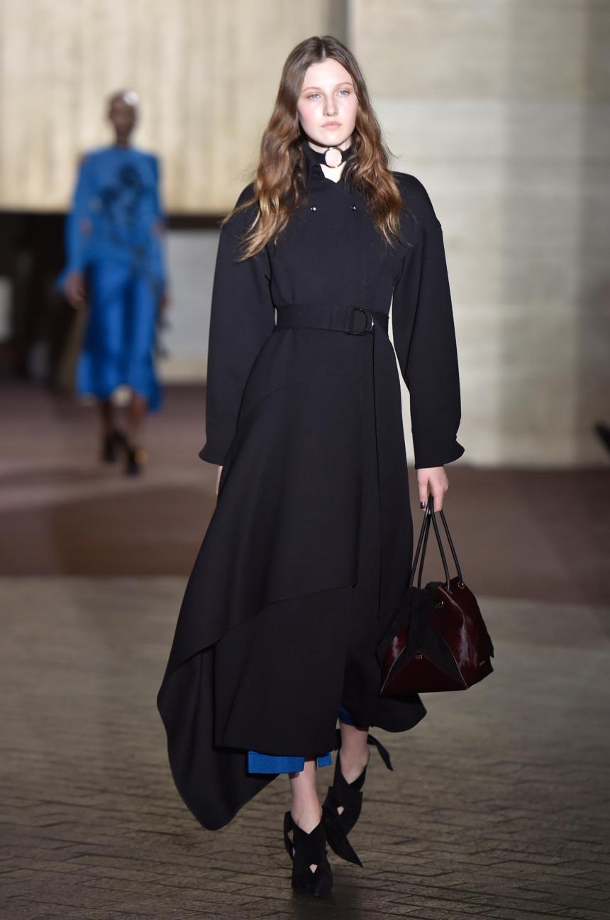 roland-mouret-london-fashion-week-autumn-winter-17-27