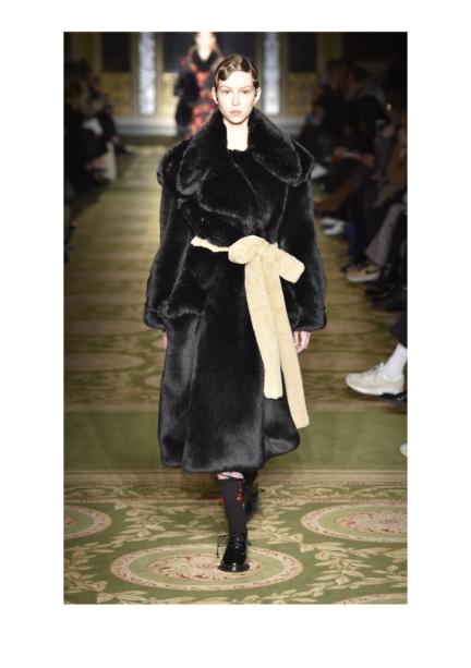 simone-rocha-london-fashion-week-autumn-winter-17-17