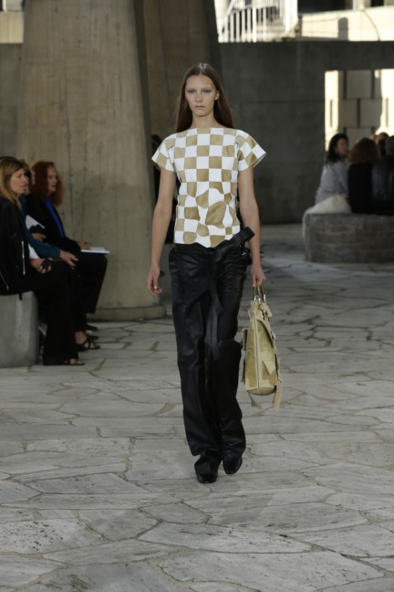loewe-paris-fashion-week-spring-summer-2015-30