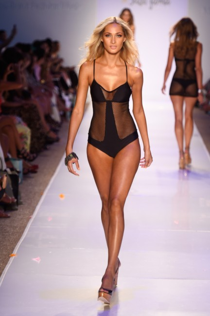 luli-fama-mercedes-benz-fashion-week-miami-swim-2015-runway-110