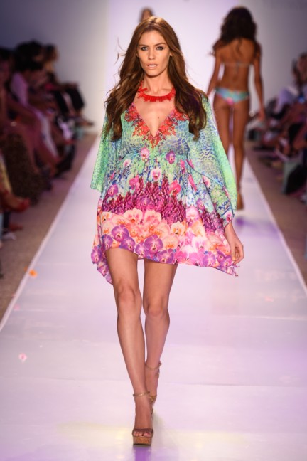 luli-fama-mercedes-benz-fashion-week-miami-swim-2015-runway-116