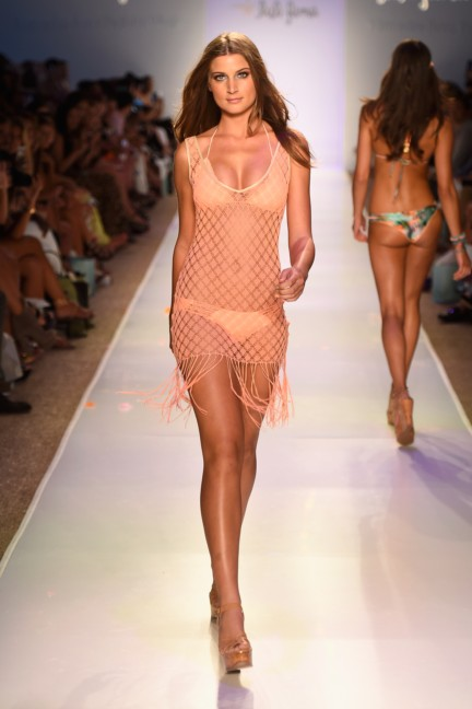 luli-fama-mercedes-benz-fashion-week-miami-swim-2015-runway-5