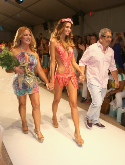 luli-fama-mercedes-benz-fashion-week-miami-swim-2015-front-row-29