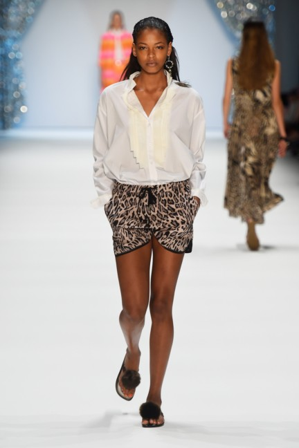 marc-cain-mercedes-benz-fashion-week-berlin-spring-summer-2015-11