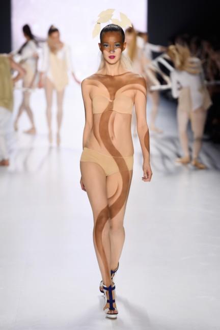 aw-2015_fashion-week-berlin_de_its-showtime-maybelline-new-york_53745