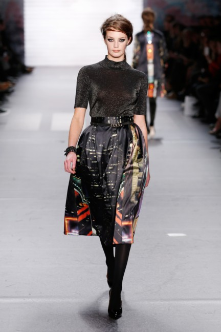aw-2015_fashion-week-berlin_de_marc-cain_54133
