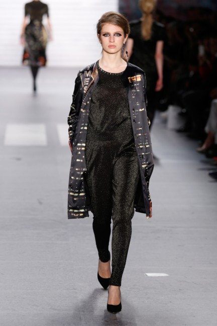 aw-2015_fashion-week-berlin_de_marc-cain_54134
