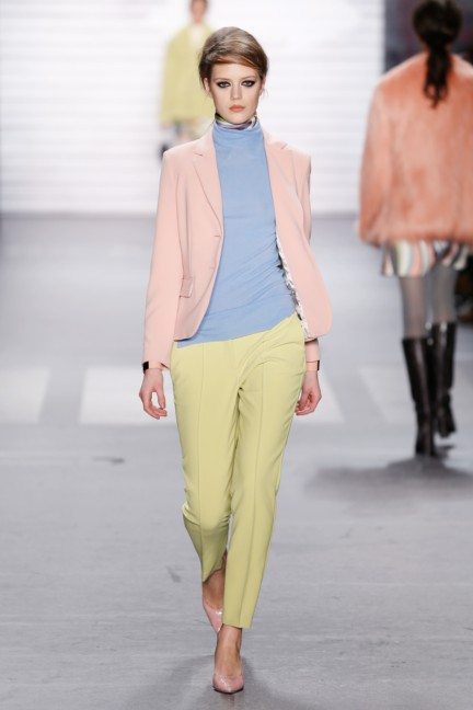 aw-2015_fashion-week-berlin_de_marc-cain_54170