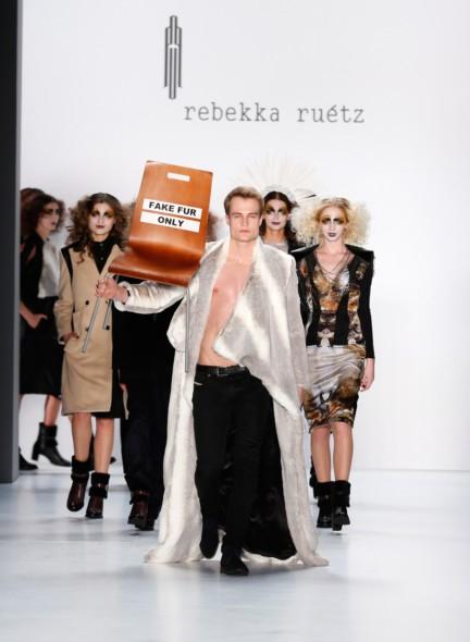aw-2015_fashion-week-berlin_de_rebekka-ruetz_53934