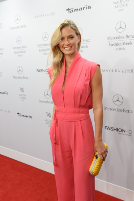 ss-2015_fashion-week-berlin_de_bar-refaeli_49488