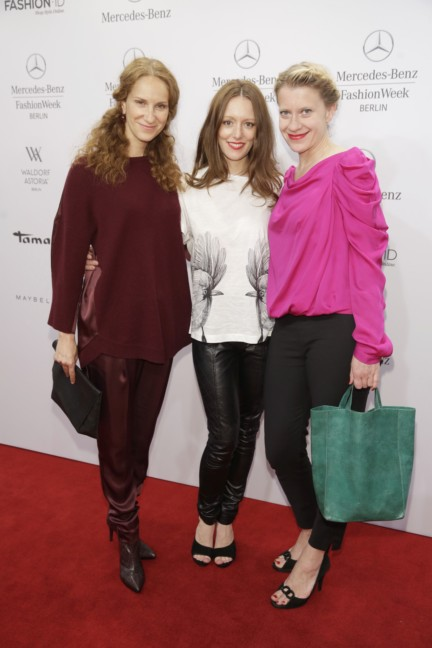 ss-2015_fashion-week-berlin_de_chiara-schoras-lavinia-wilson-and-caroline-peters_48197