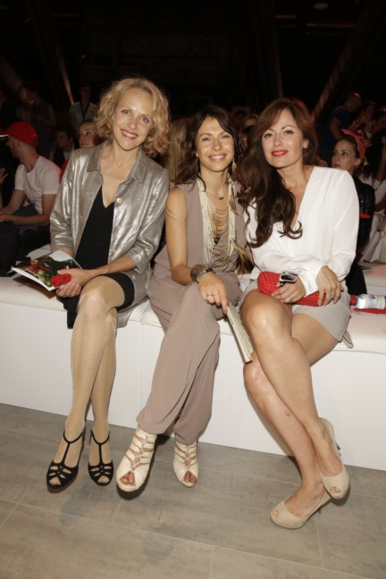 ss-2015_fashion-week-berlin_de_juliane-koehler-jana-pallaske-and-carolina-vera_47938