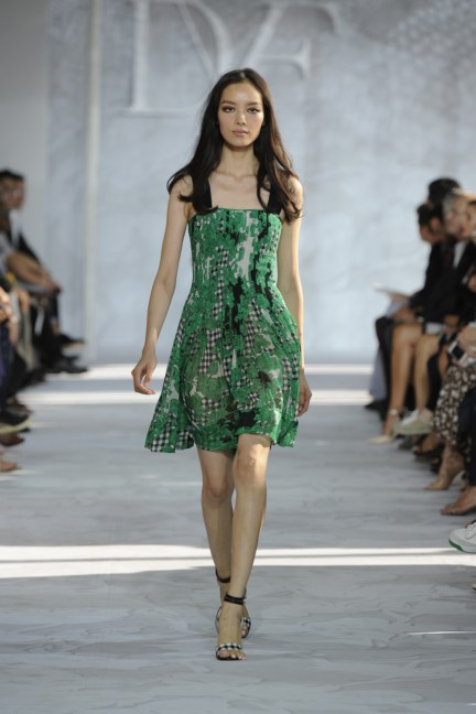 diane-von-furstenberg-new-york-fashion-week-spring-summer-2014-runway-11