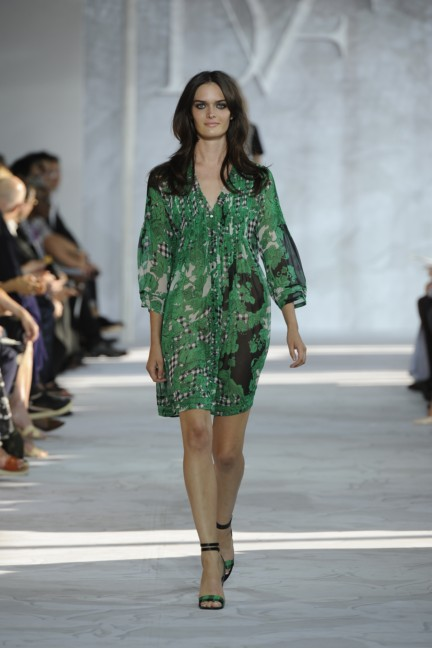 diane-von-furstenberg-new-york-fashion-week-spring-summer-2014-runway-13